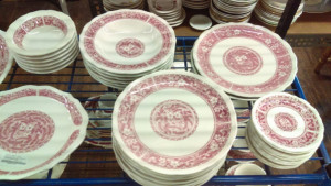 Strawberry Hill Large dinner plate