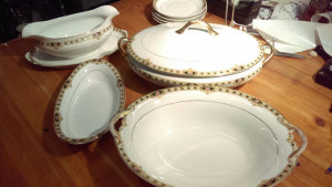 Noritake The Ceylon Oval Footed Serving Dish