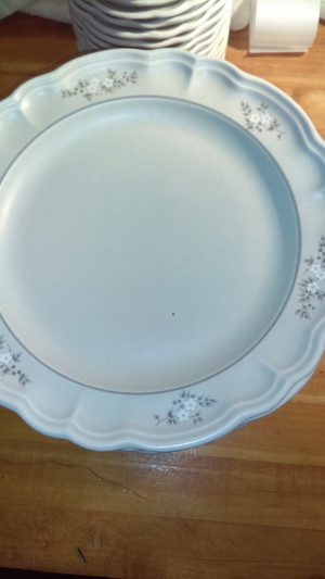 "Heirloom 10.5"" Dinner Plate"