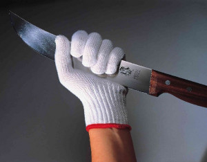 Cut glove medium