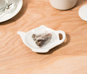 "Tea caddy, Tea pot, 4.5"""