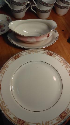 "Old Ivory Calhoun 9.75"" Dinner Plate"
