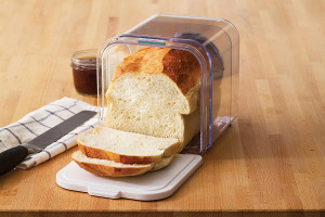 Bread keeper with built-in cutting board