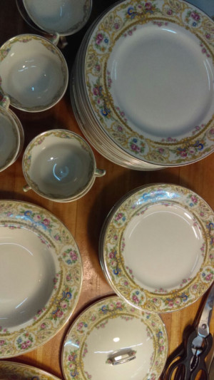 "Rose Marie 10.25"" Round Handled Platter"