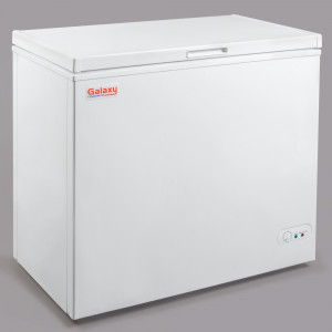 Chest freezer, 7 cu ft,white, solid top