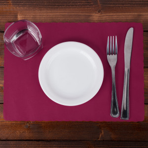 Burgundy Placemat,9.5x13.5 scalloped edge