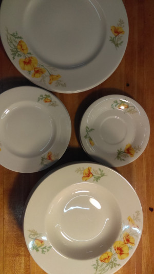 Syracuse China California Poppy rimmed soup