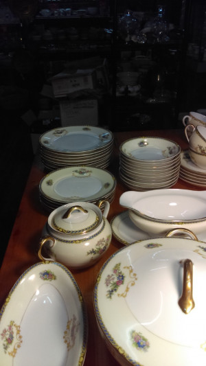 Noritake Romance Covered Sugar