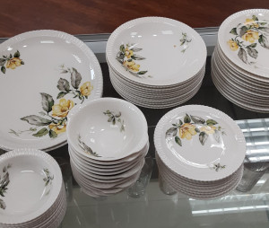 "Yellow Roses 10"" Dinner Plate"