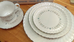 Westminster 45 Piece Place Setting