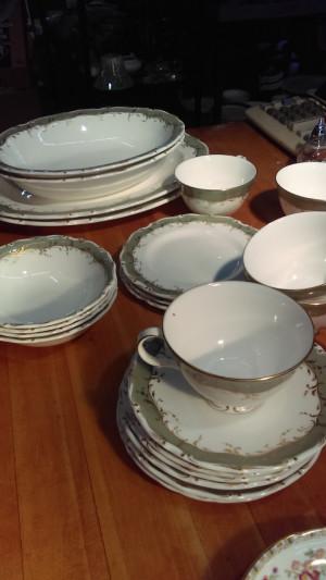"""Fontainbleau 13.5"""" Platter"""