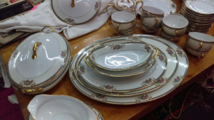 Grasmere Oval Covered Server