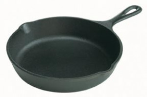 """Logic skillet, 9"""" diameter, Cast iron"""