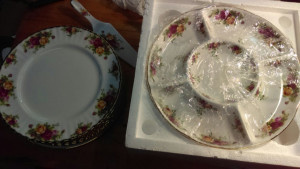 "Old Country Roses 12"" Divided Plate"