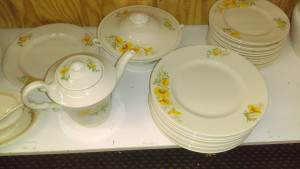 Syracuse China California Poppy bread & butter