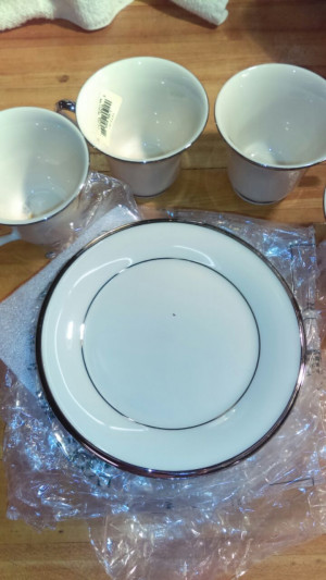 "Solitaire 6.25"" Bread Plate"