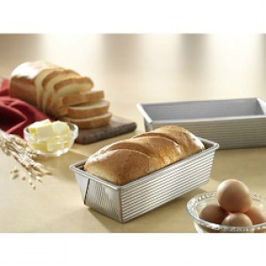 8.5x4.5x2.75 Small Loaf pan, Made in USA