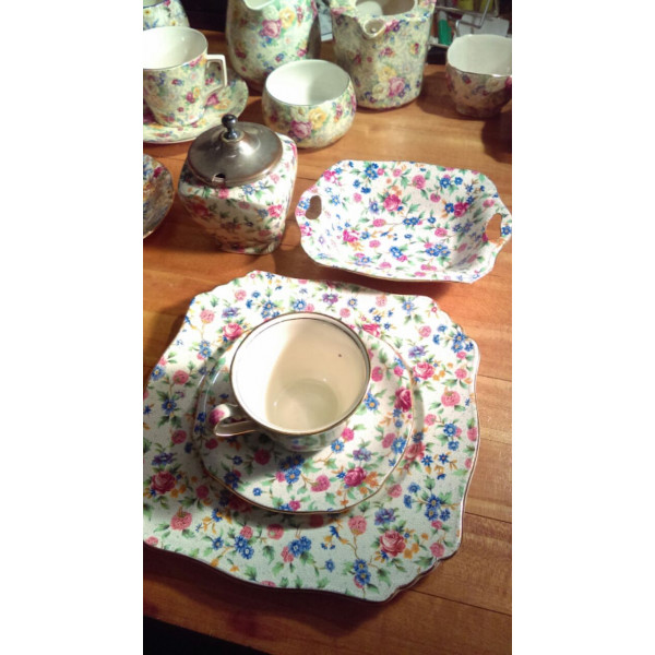 Old Cottage Chintz Covered Sugar