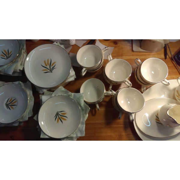 "Royal Harvest 6-1/8"" Bread Plate"