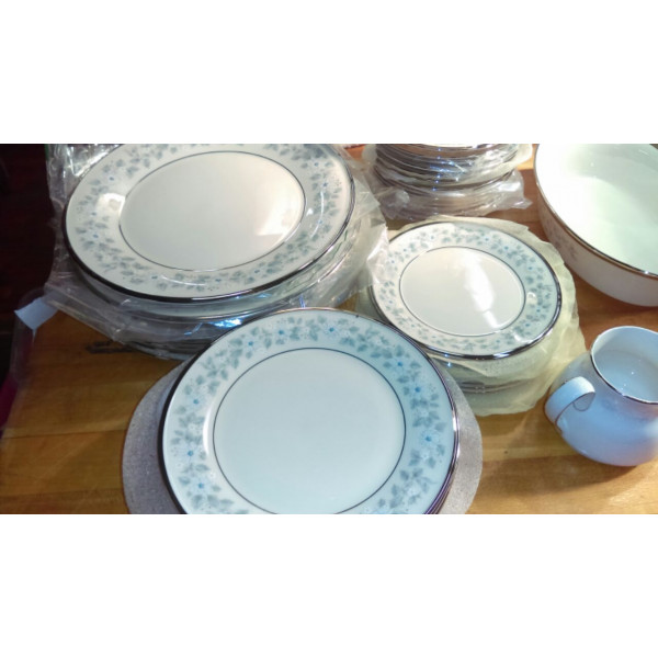 "Windsong 6 3/8"" Bread Plate"