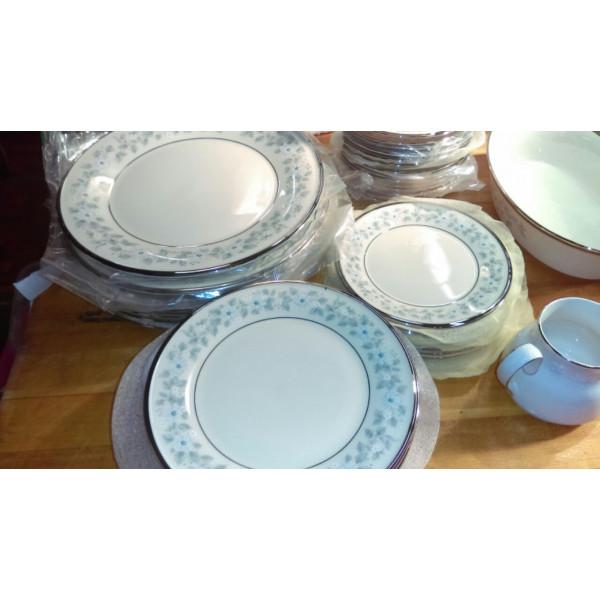 """Windsong 10 5/8"""" Dinner Plate"""